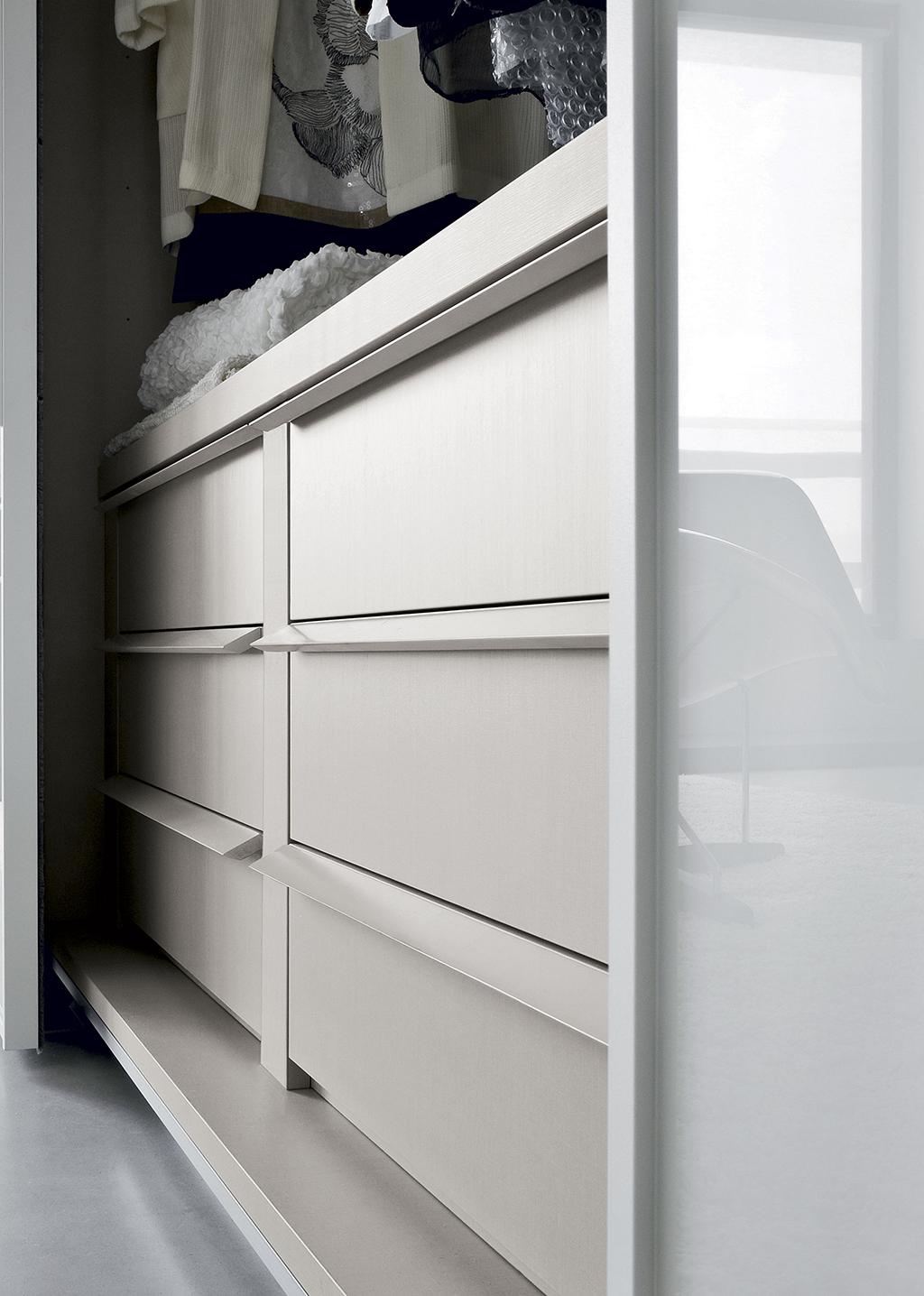 amore 056 fitted bedroom furniture wardrobes uk lawrence walsh furniture. Black Bedroom Furniture Sets. Home Design Ideas