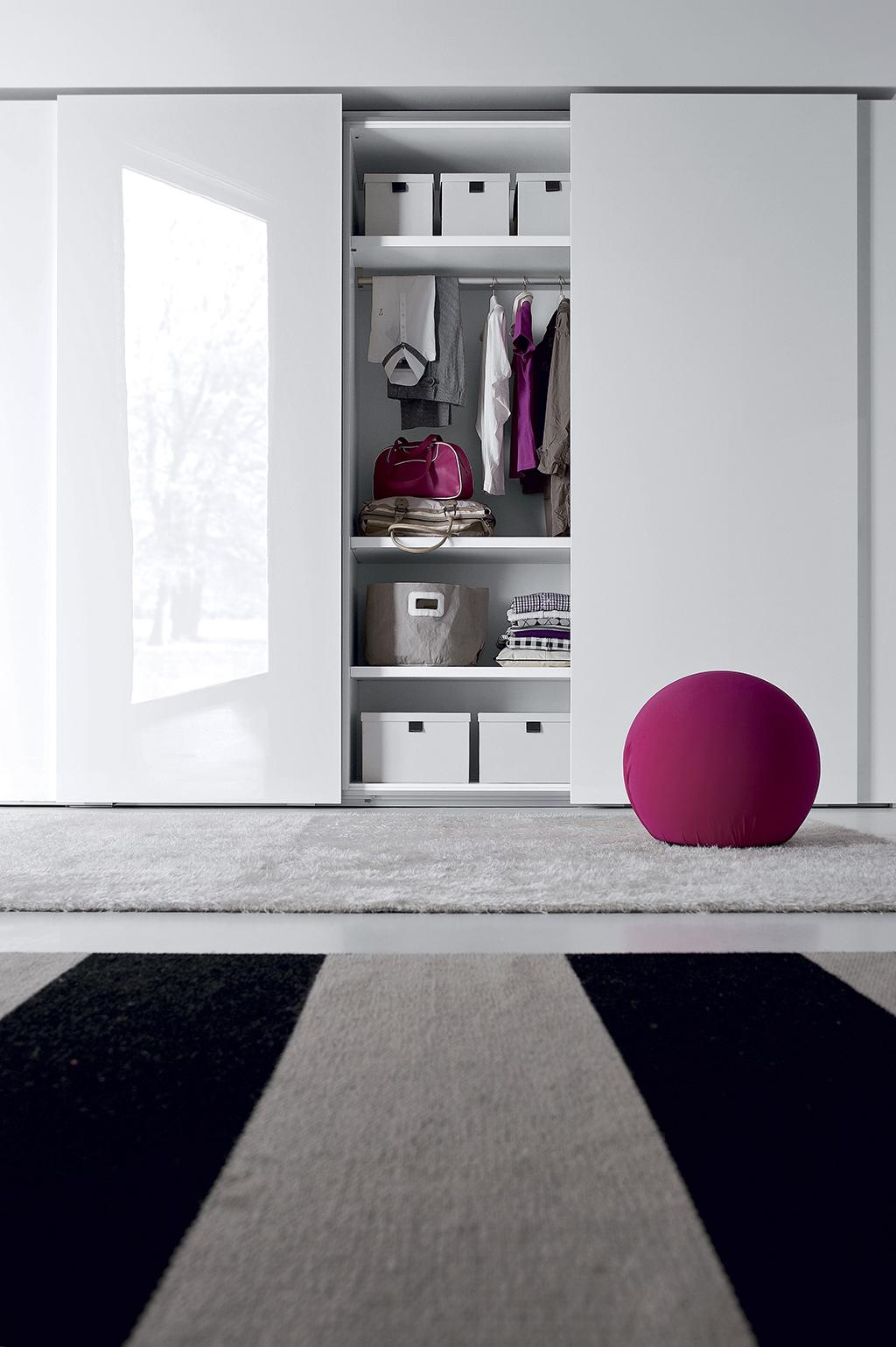amore 071 fitted bedroom furniture wardrobes uk lawrence walsh furniture. Black Bedroom Furniture Sets. Home Design Ideas