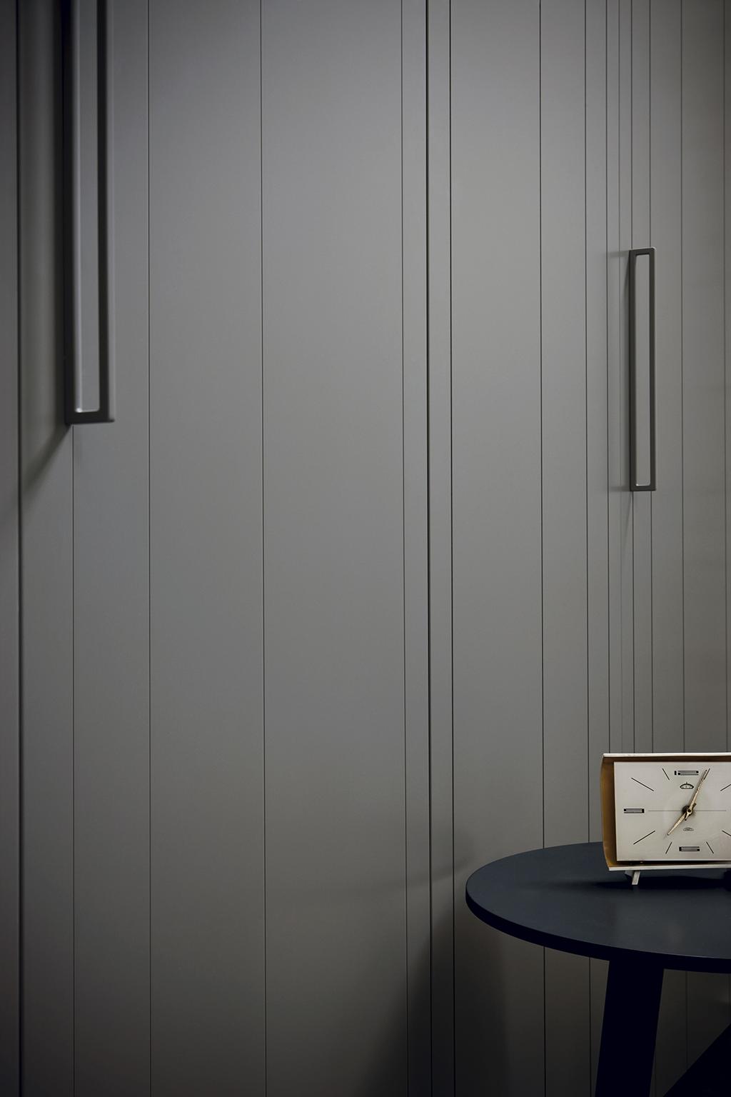 amore 082 fitted bedroom furniture wardrobes uk lawrence walsh furniture. Black Bedroom Furniture Sets. Home Design Ideas
