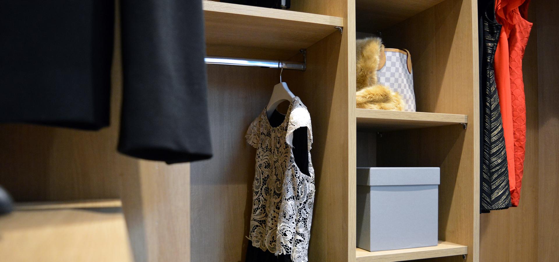 Walk in wardrobe Oak