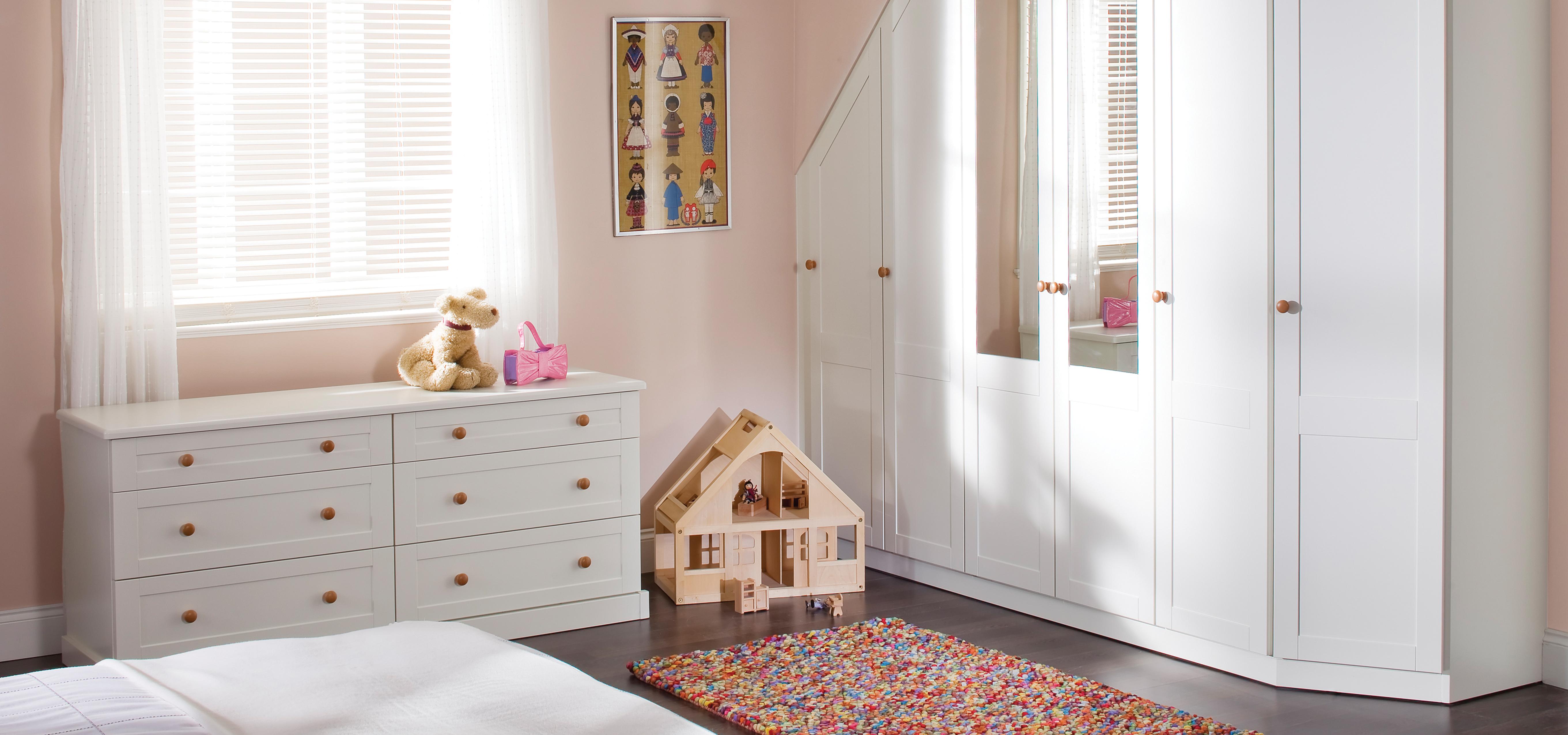 Children's room Shaker style bedroom