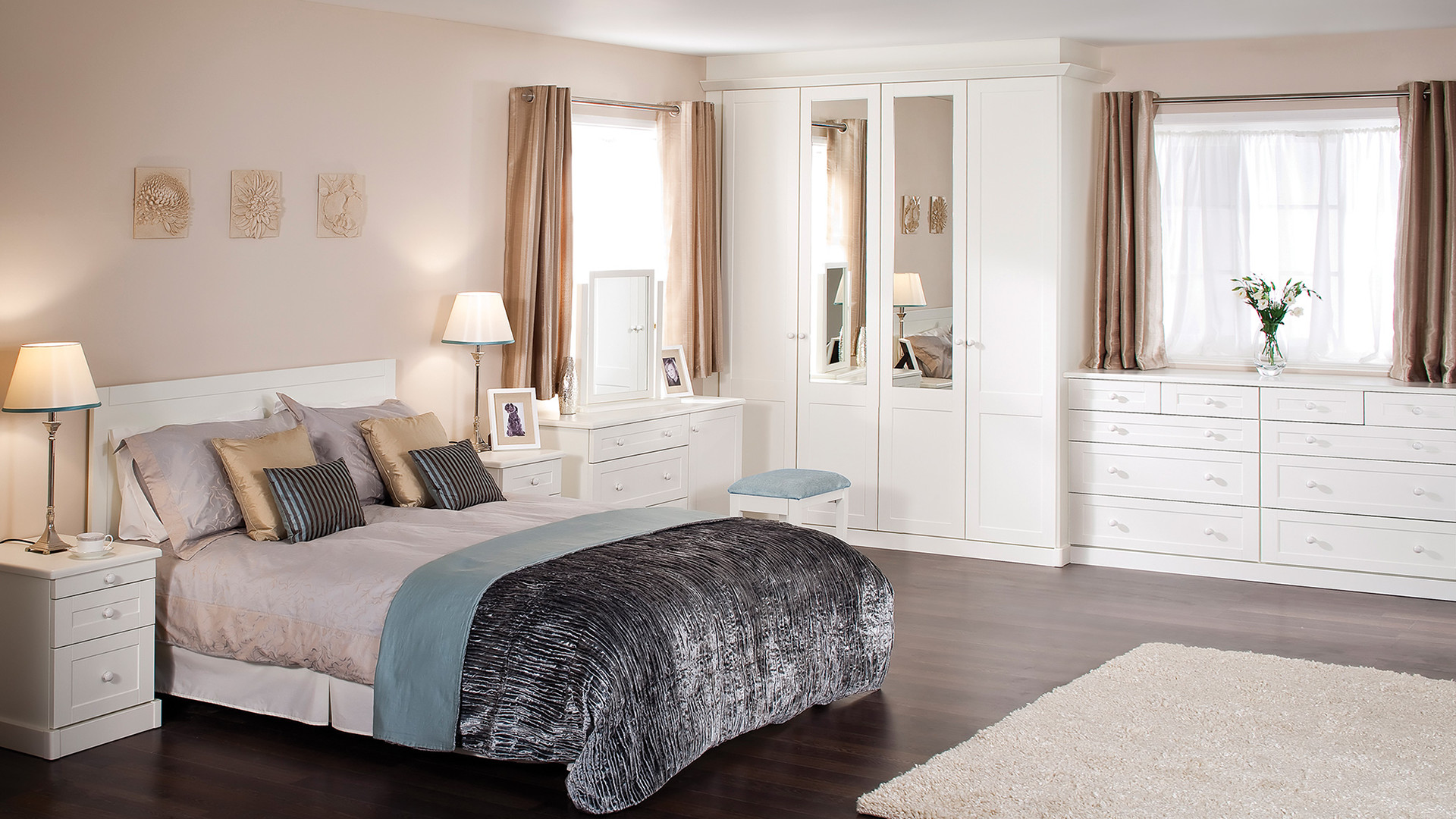 Interiors fitted bedroom furniture wardrobes uk for Bedroom furniture uk